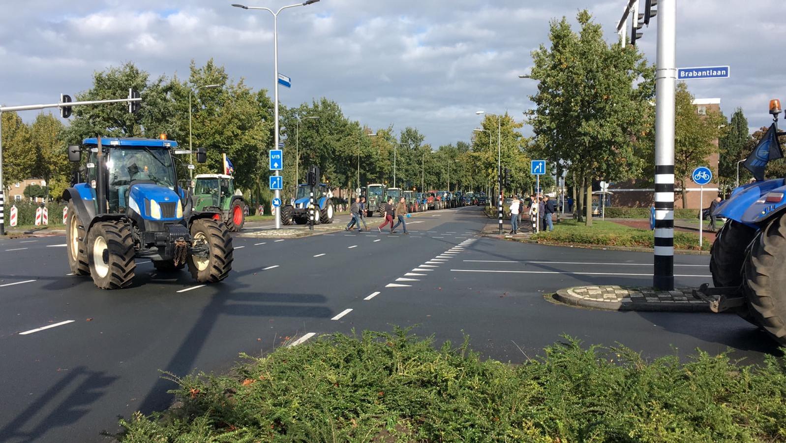 Boerenprotest bij provinciehuis in Den Bosch.