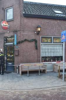 Overvaller (59) buurtcafé in Breda had vuurwapen op zak en bedreigde achtervolgende eigenares ermee