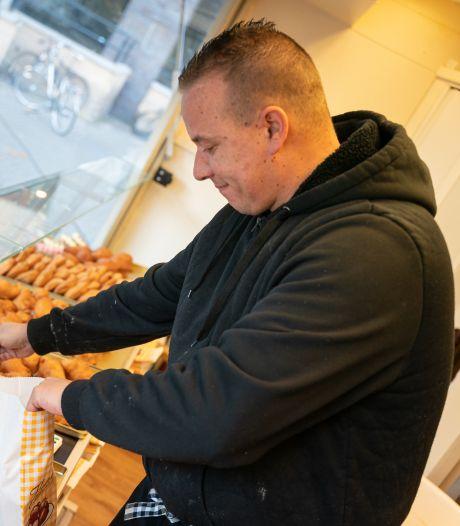 Oliebollenbakker Roy laat zich drie keer per week testen voor zijn Wageningse klanten