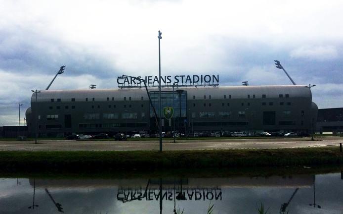 Het Cars Jeans Stadion gezien vanaf snelweg A4.