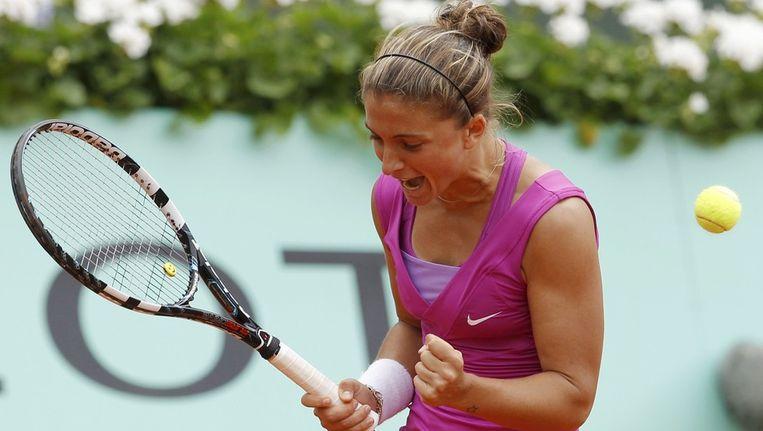 Sara Errani juicht na haar overwinning op Svetlana Koeznetsova. Beeld reuters