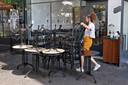 Alle terrastafels en stoelen mogen weer opgeruimd in Tel Aviv.