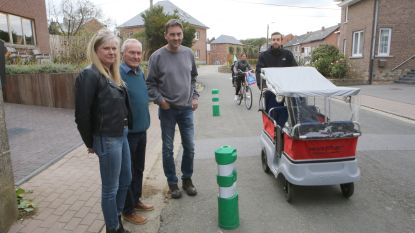 Paaltjes in Bevrijdingsstraat hinderen fietsers en verkeer