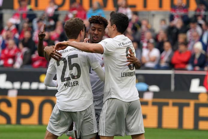 Feest bij Bayern na een treffer.