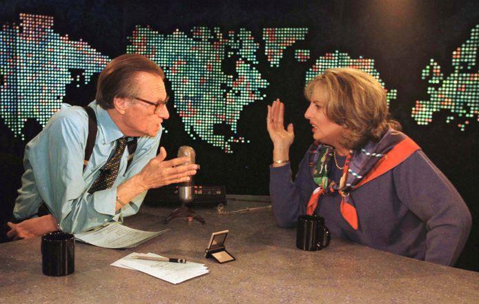 Linda Tripp, face à Larry King, en 1999