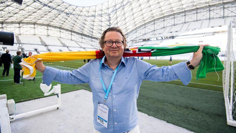 Marc Coucke op het voetbalveld in het stadion van Olympique Marseille Beeld belga