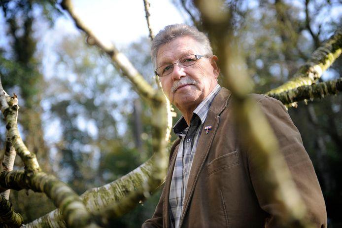 """Theo Even in arboretum in De Lutte, schreef een brief aan zijn huisarts. """"Gezien de huidige coronacrisis, heb ik een besluit genomen..."""""""