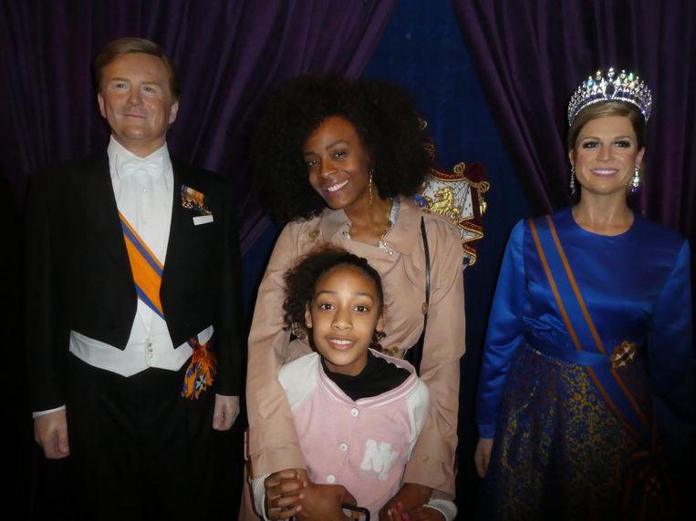 Styliste Maureen Powel en haar dochter India, in koninklijke setting. Beeld Hans van der Beek