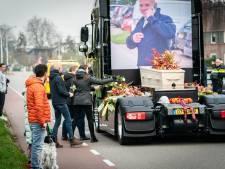 IJsselstein neemt met vrachtwagens afscheid van verongelukte truckfanaat: 'Bartje maak ze gek daarboven'