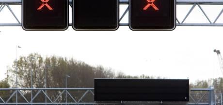Landelijke campagne die wijst op gevaar negeren rode kruisen van start gegaan in Leiderdorp