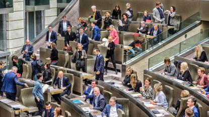 Oppositie roept ideologische alarmbelprocedure in tegen besparingen Vlaamse regering