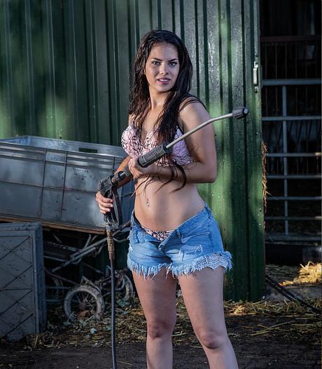 Melanie (19) uit Hoofdplaat in nek-aan-nekrace bij Miss Boerin