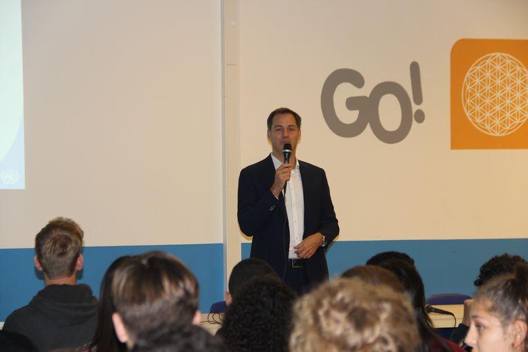 Alexander De Croo kwam een uur lesgeven over de Verenigde Naties in de Da Vinci Campus.
