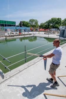 En het nieuwe Tielse zwembad heet... Waalslag