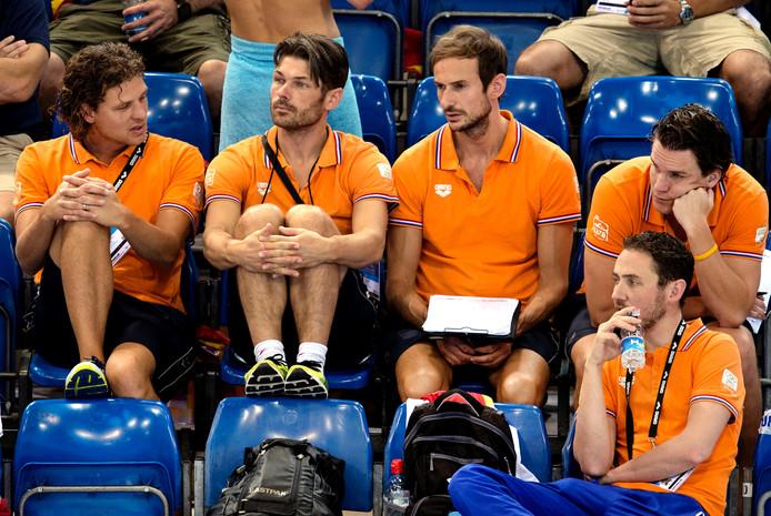 Zwemcoaches Martin Truijens, Patrick Pearson, Frank Bosma en race-analist Sander Schreven (vlnr).