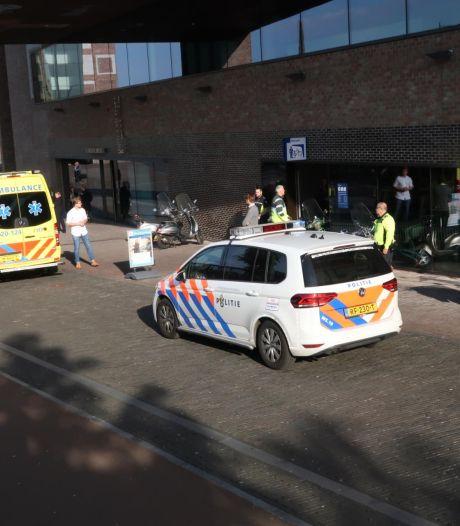 Bredanaar (23) neergestoken bij fietsenstalling station Breda, dader mogelijk per trein gevlucht