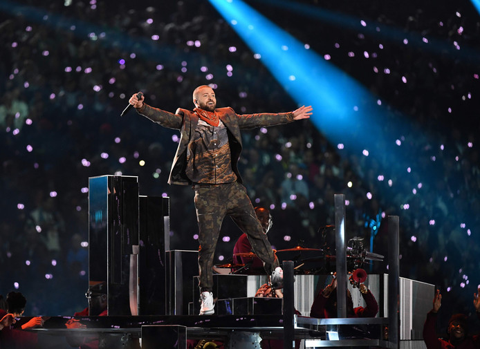 Justin Timberlake tijdens zijn optreden zondag bij de Super Bowl.
