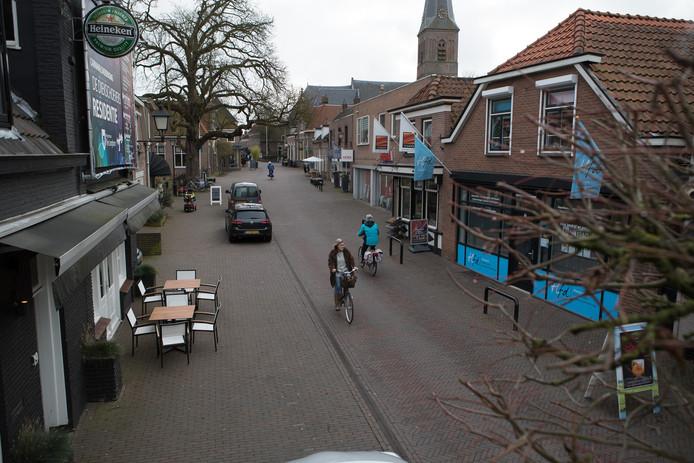De Langstraat in Wijhe is het domein van vele ondernemers.