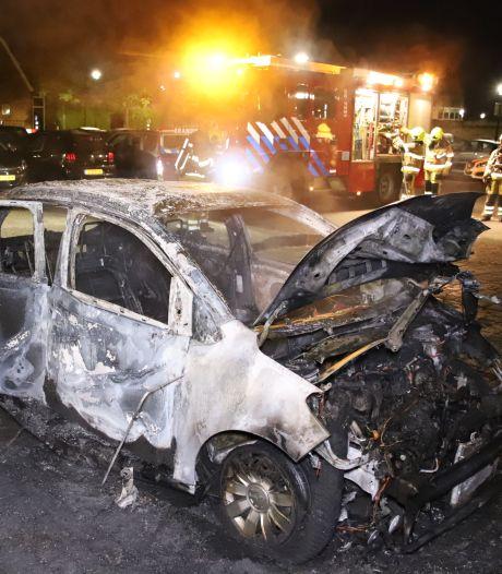 Auto verwoest door brand in Culemborg