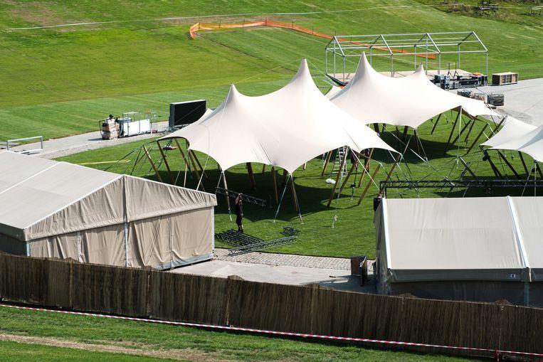 Opbouw Studio 100 zomerfestival in De Schorre.