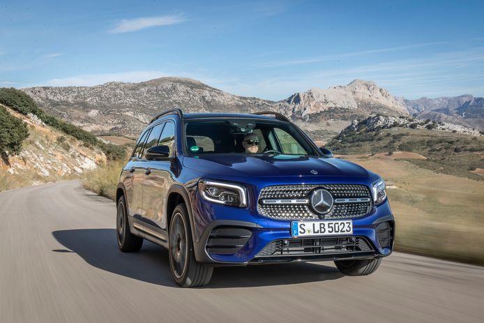 De Mercedes-Benz GLB 220 d is één van de beschikbare modellen. Bij zijn introductie is de GLB er in drie dieselvarianten en drie benzineversies.
