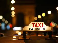 Il refuse de payer la course, le taxi le conduit au commissariat