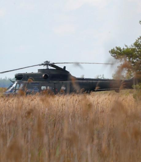 Engelse militaire helikopter maakt voorzorgslanding bij Heeze op terugweg van Luchtmachtdagen