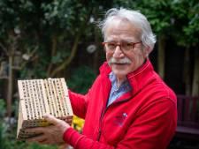 'Stenen uit de tuin, bloemen en planten erin', zegt bijenman Joop