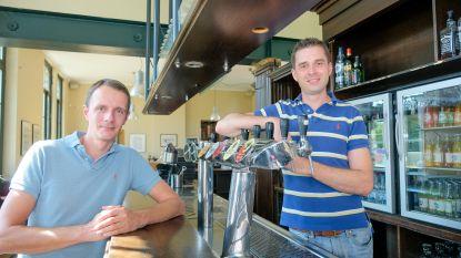 """Nerocafé heeft met Jan (37) nieuwe uitbater: """"Jammer dat ik niet tijdens Druivenfestival kan openen"""""""