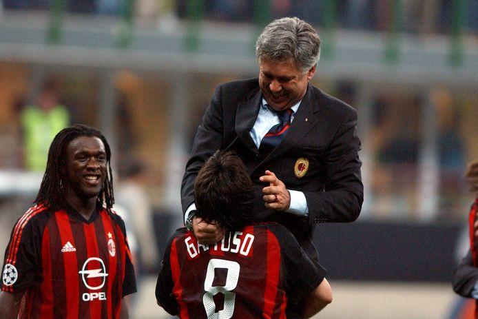 Gattuso in zijn tijd als speler, samen met Ancelotti, destijds trainer bij AC Milan. Links: Clarence Seedorf.