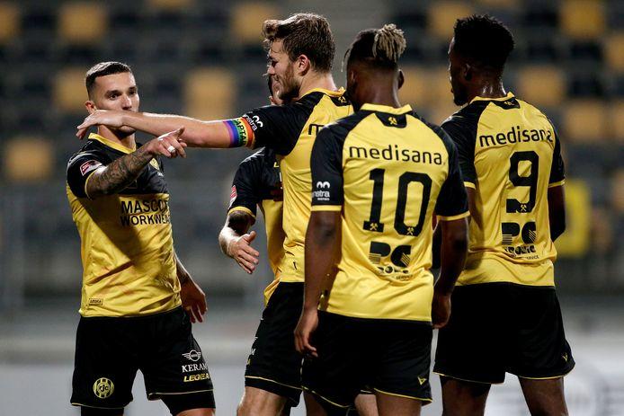 Vreugde bij de spelers van Roda JC tijdens de 4-0 overwinning op Helmond Sport.