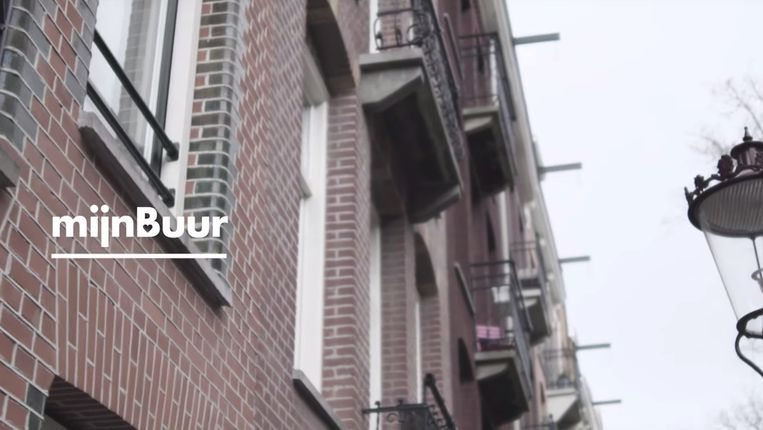 Met de app van de start-up MijnBuur kunnen buurtbewoners met één druk op de knop elkaars hulp inroepen. Beeld -