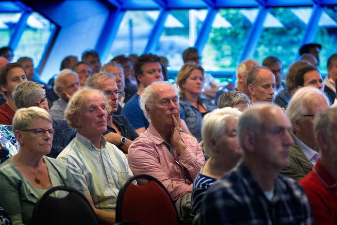 Een informatiebijeenkomst van de GGD in Asten over het VGO.