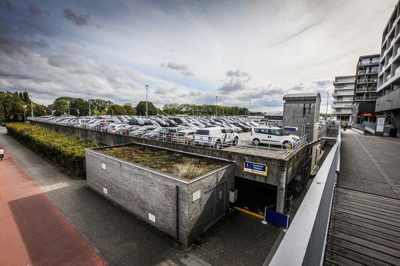 Brugge er komt een park op de bovenkant van de parking