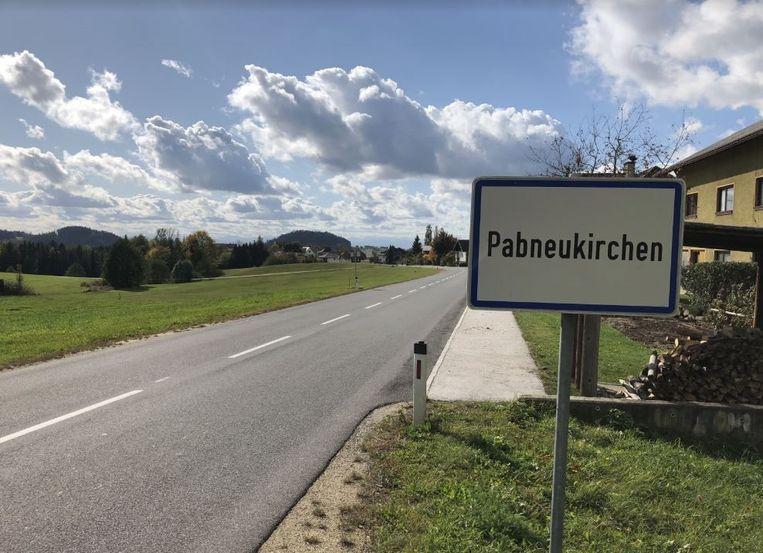 Van 1998 tot ongeveer 2008 woonde Josef B. bij een oude, rijke tante in Pabneukirchen die hem als erfgenaam had aangewezen. Na haar dood en de verkoop van de woning en grond in het district Perg (deelstaat Opper-Oostenrijk) vertrok hij definitief naar Nederland.