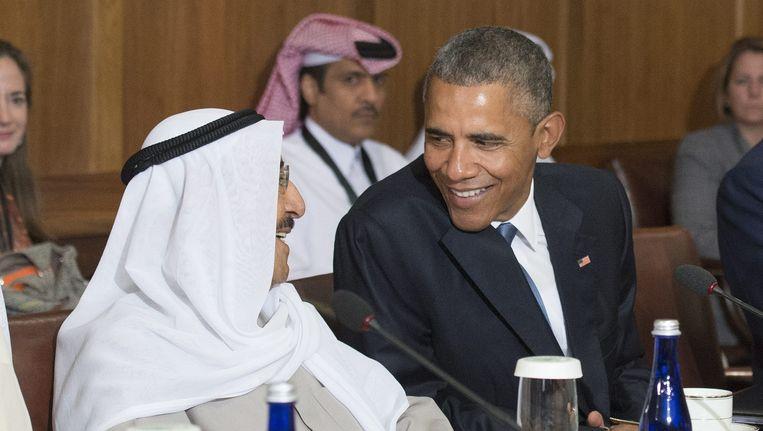 De Amerikaanse president Barack Obama spreekt met Sjeik Sabah Al-Ahmed Al-Jaber Al-Sabah van Koeweit Beeld epa