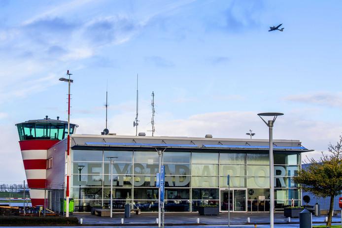 Verkeerstoren van Lelystad Airport.