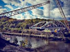 L'installation du pont prévue samedi à Charleroi a été reportée