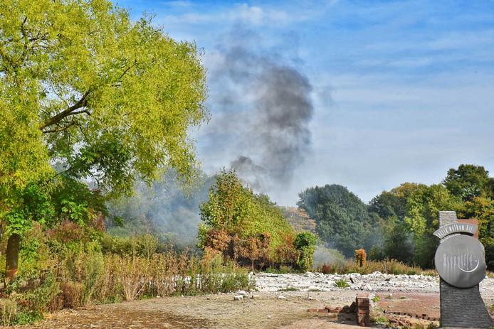 Brand op voormalig terrein Etenstijd in Tilburg.