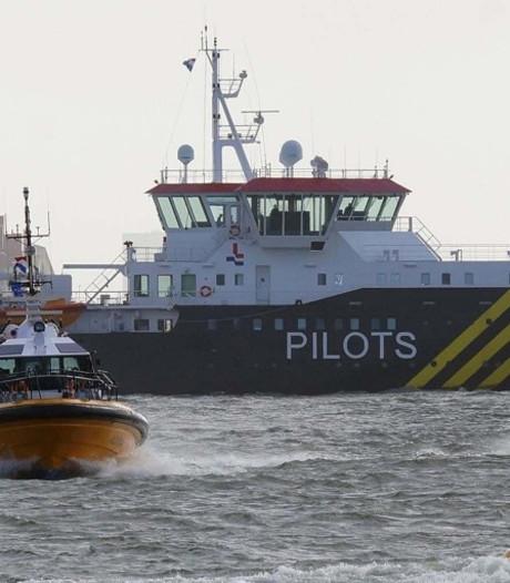 Bieden op trip met een vrachtschip voor goede doel
