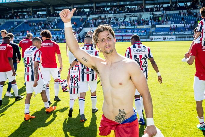 Fran Sol, in de tijd dat hij nog onder contract stond bij Willem II, bedankt de fans.