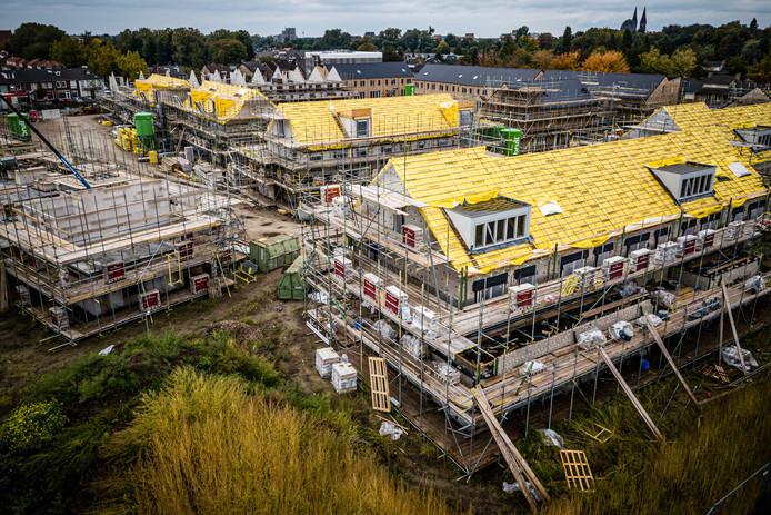 De bouw van nieuwbouwwijken kon een tijdje stil liggen.