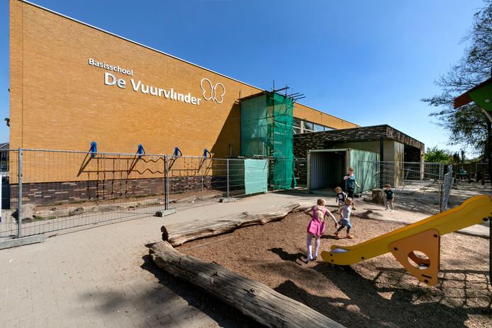 Bouwhekken bij basisschool De Vuurvlinder in Eindhoven.