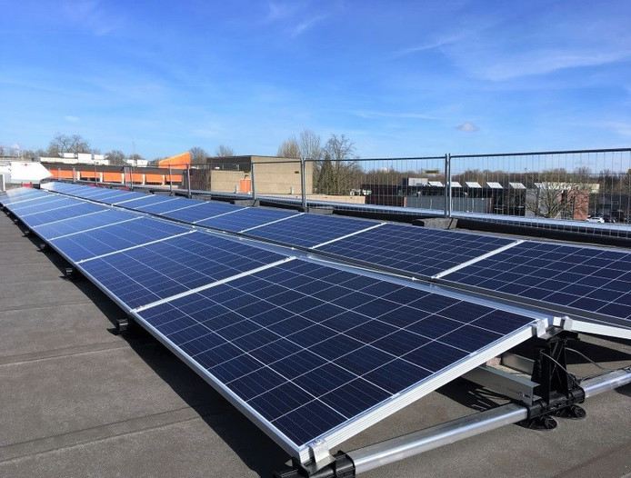 Op de Cobbenhagenmavo in Tilburg liggen al zonnepanelen.