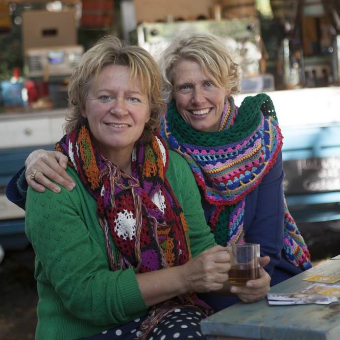 Organisatoren Annet Schottert en Angelien Hoppen van de Hip en Handgemaaktmarkt.