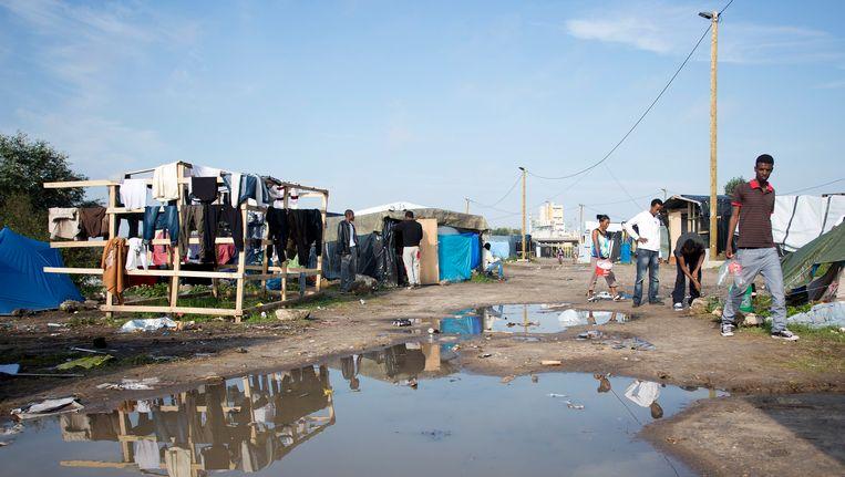Het konvooi werd aangevallen in het vluchtelingenkamp 'De Jungle'.