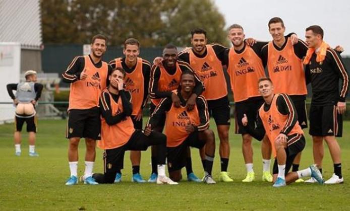 """""""Voici une photo de l'équipe gagnante et de moi"""", a écrit Dries Mertens."""