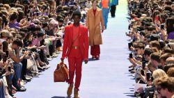 Virgil Abloh maakt zijn debuut voor Louis Vuitton in Parijs