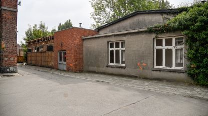 Bijgebouwen Hollandse Kazerne gaan eindelijk onder sloophamer