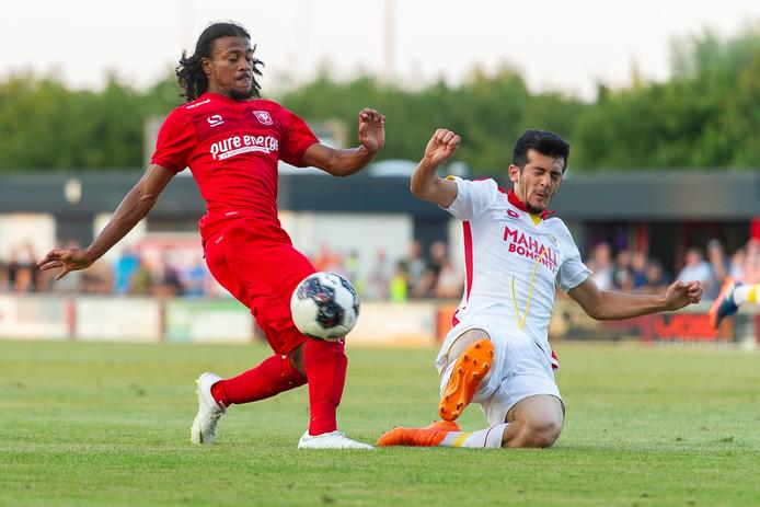 Rashaan Fernandes in dienst van FC Twente.